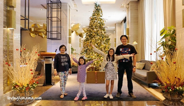 Summit Galleria Cebu Hotel review - Bacolod mommy blogger - family travel - Robinsons Galleria - Christmas tree